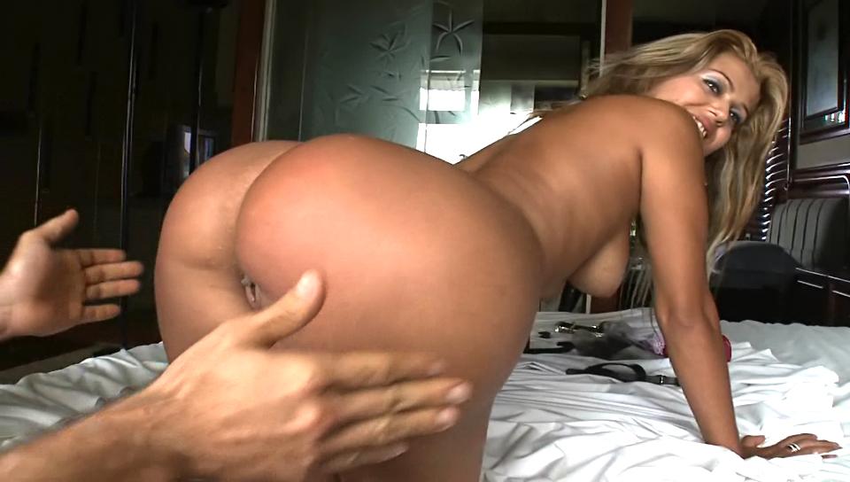 Brazilian Babe Monica Santhiago