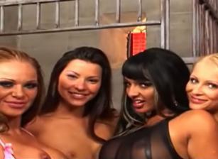 Top Wet Girls, Scene 01