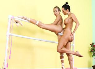 Strap On Anal Lesbians, Scene 01