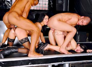 Club Timo, Scene 02