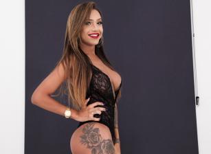 Isa Oliveira
